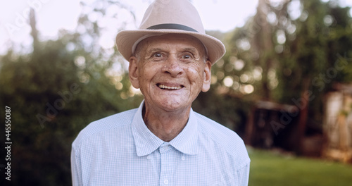 Canvastavla Smiling beautiful older male Latin farmer
