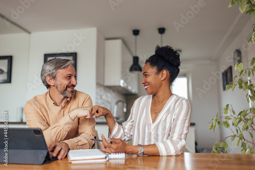 Canvas Print Happy adult people, having a great day at work