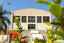 Vista Do Santuário Basílica Do Divino Pai Eterno Na Cidade De Trindade Em Goiás.
