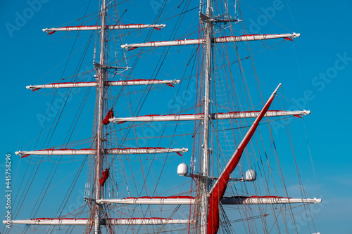 Fényképezés Sailing masts of the ship