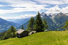 Eine Alte Berghütte Inmitten Einer Wunderschönen Wiese Im Hochtauern Nationalpark Nahe Matrei, Osttirol Österreich