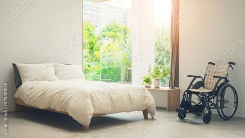 Obraz na plátně ベッドと車椅子