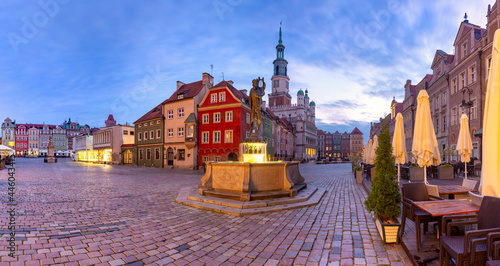 Fotografie, Obraz Morning panorama of Poznan Town Hall on Old Market Square in Old Town, Poznan, P