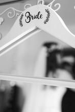 Brautkleid Bügel 2