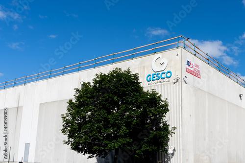 Fototapeta premium Brampton, On, Canada - July 10, 2021: Gesco Group of Companies headquarters in Brampton, On, Canada. The Gesco Group of Companies is a Canadian floor covering organizations.