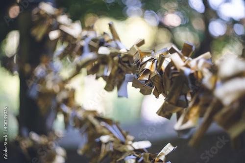Foto 光の道で有名な福岡県福津市の宮地嶽神社(みやじだけじんじゃ)七福神の金色のおみくじ