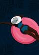 Młoda kobieta opalająca się nad morzem. Widok z góry - czarna dziewczyna w bikini i kapeluszu na różowym dmuchanym kole w dużym basenie. Sportowa sylwetka. Letnia wakacyjna ilustracja wektorowa.