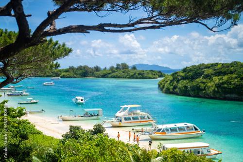 Billede på lærred 沖縄県石垣島の海がある風景 Ishigaki Okinawa