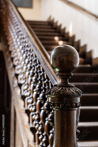 Cuadros en Lienzo Wooden old decorative balusters, Ancient wooden stairs