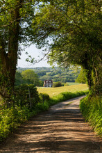 View Along Ham Lane Public Footpath And High Weald Landscape, Burwash, High Weald AONB (Area Of Outstanding Natural Beauty), East Sussex, England