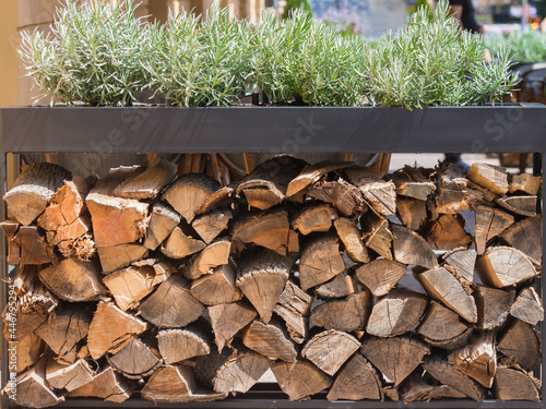 Valokuva Stacked firewood for kindling the stove or fireplace