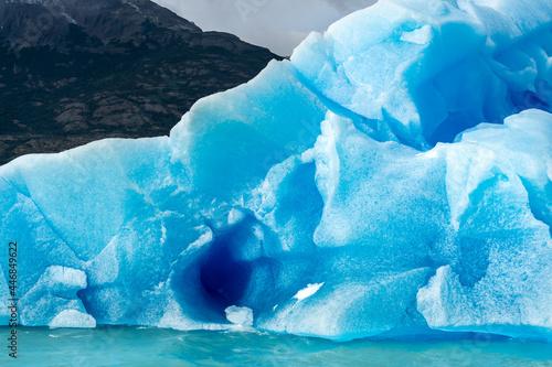 Wallpaper Mural iceberg floating adrift in the Argentine lake