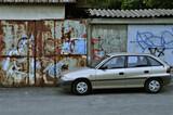 Stare auto, droga, graffiti