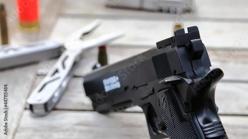 Fotografie, Obraz Pistolet wiatrówka, multitool, broń, air rifle gun