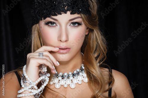 Tablou Canvas Perfect beauty and jewelry concept