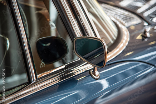 Obraz na plátně Classic Car Mirror