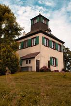 Das Ist Der Hochwartturm Auf Der Gemüseinsel Reichenau Am Bodensee.