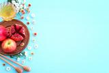 Fototapeta Kawa jest smaczna - Rosh hashanah (jewish New Year holiday) concept. Traditional symbols