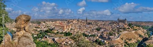 Fotografie, Obraz Views of Toledo from the viewpoint of La Piedra del Rey Moro, Spain
