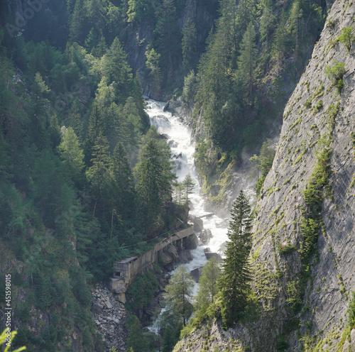 Bei Matrei in Osttirol: Klamm am Steinerfall