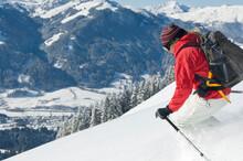 Traumhang Für Tiefschneefahrer In Den Sonnigen Tiroler Alpen
