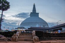 The Ruwanweli Maha Seya, Also Known As The Mahathupa Is A Stupa In Anuradhapura, Sri Lanka. Two Quarts Or One Drona Of The Buddha's Relics Are Enshrined In The Stupa, Making It The Largest Collection