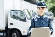 運送業で働く女性