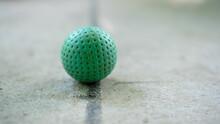 Grüner Minigolfball