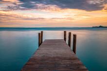Bootssteg In Toscolano Am Gardasee Im Sonnenuntergang