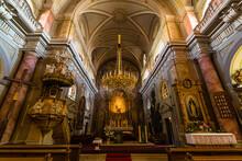 ルーマニア トランシルヴァニア地方の街、シビウの歴史地区にあるシビウ大聖堂の聖堂内