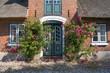 canvas print picture - Hauseingang mit Rosen
