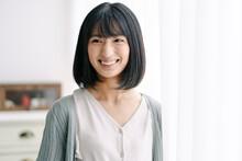 若い日本人女性のポートレート