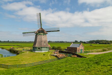 Old Windmill In Schellinkhout In West Friesland, Netherlands. The Polder Mill Was Built Between 1603 And 1638.