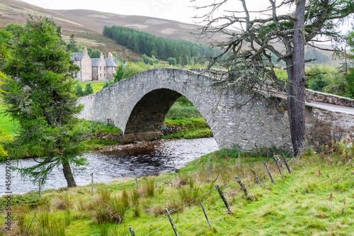 Fotografie, Obraz Braenaloin bridge across Braenaloin Burn in Aberdeenshire, Scotland