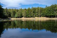 Il Lago Della Ninfa, Alle Pendici Del Monte Cimone, A 1500 Metri Di Altezza Nel Comune Di Sestola.