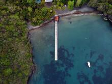 Plage De Sable Noir Mer Des Caraïbes En Martinique Vue Aérienne De Drone