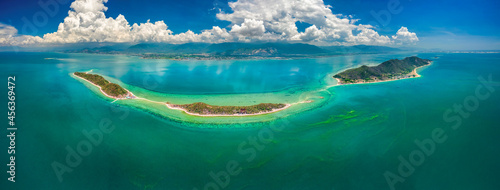 Canvas Print Diep Son island, where a road emerges in the middle of the sea during low tide, Nha Trang, Khanh Hoa, Vietnam