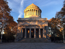 General Grant National Memorial During The Autumn Foliage