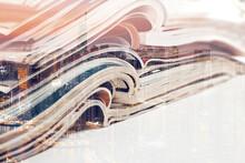 Artículos De Moda Y Diseño De Catálogo Sobre Fondo Blanco. Doble Exposición. Periódico Y Revista. Entretenimiento Y Ocio. Publicación En Revista Y Fondo De Libros.