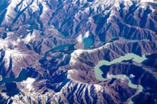 Lake Yashio And Lake Ikari, Surrounded By Winter Mountains / 冬山に囲まれた八汐湖と五十里湖
