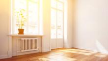 Helle Sonnige Wohnung Mit Balkon Im Sommer Im Altbau