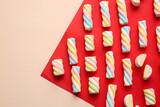 Fototapeta Kawa jest smaczna - Tasty marshmallows on color background