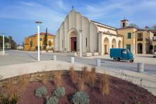 Sant' Erasmo, Venezia. Piazza Centrale Dell'Isola Con Aiuola E Chiesa Di Stile Adriatico