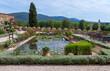 canvas print picture - Garten von Schloss Lourmarin, Provence
