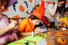 Autumn Craft Workshop For Creative Preschool Kids
