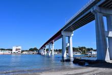 城ヶ島から三崎へ続く城ヶ島大橋