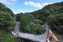 山道、道路、急カーブ、S字カーブ