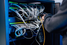 Managing Gigabit Ethernet At Data Center.