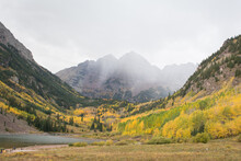 Maroon Bells, Elk Mountains, With Colorful Autumn Leaves. Aspen Colorado