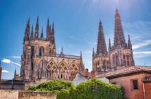 Cimborrio Y Campanarios Catedral Gótica De Burgos, España